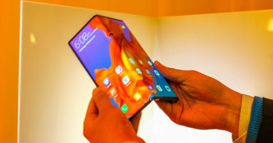 Huawei Mate X trình làng: Mỏng hơn cả iPad Pro, sạc siêu nhanh 55W, hỗ trợ 5G, giá hơn 60 triệu