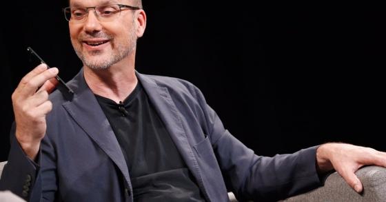 Vì sao smartphone của cha đẻ Android rớt giá thảm?